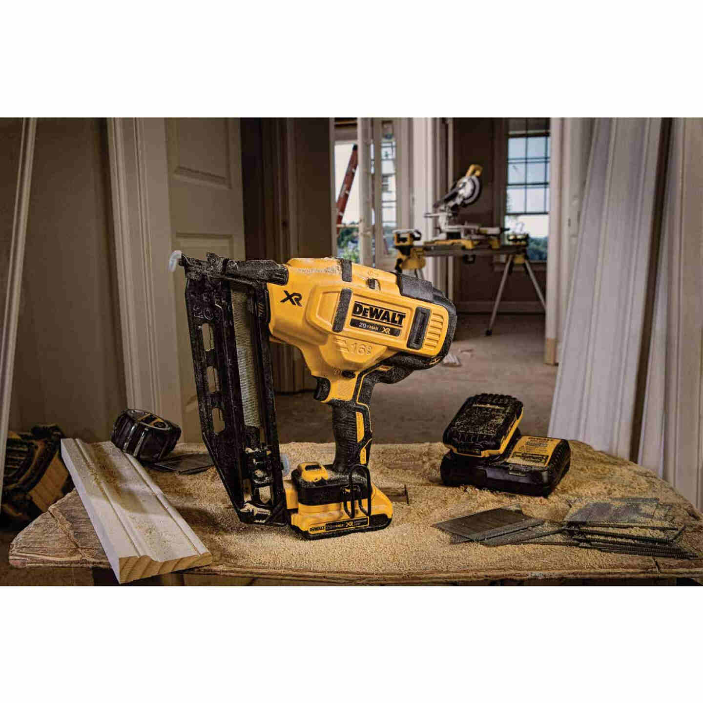 DeWalt 20 Volt MAX XR Lithium-Ion 16-Gauge 2-1/2 In. Angled Cordless Finish Nailer Kit Image 5