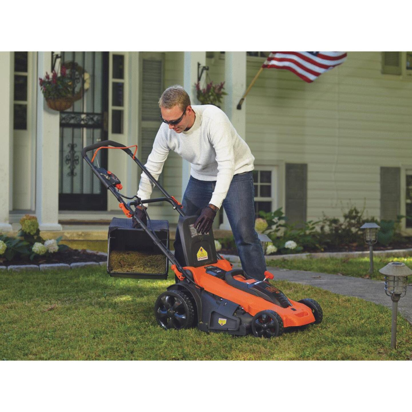 Black & Decker 20 In. 40V MAX Lithium Ion Push Cordless Lawn Mower Image 6