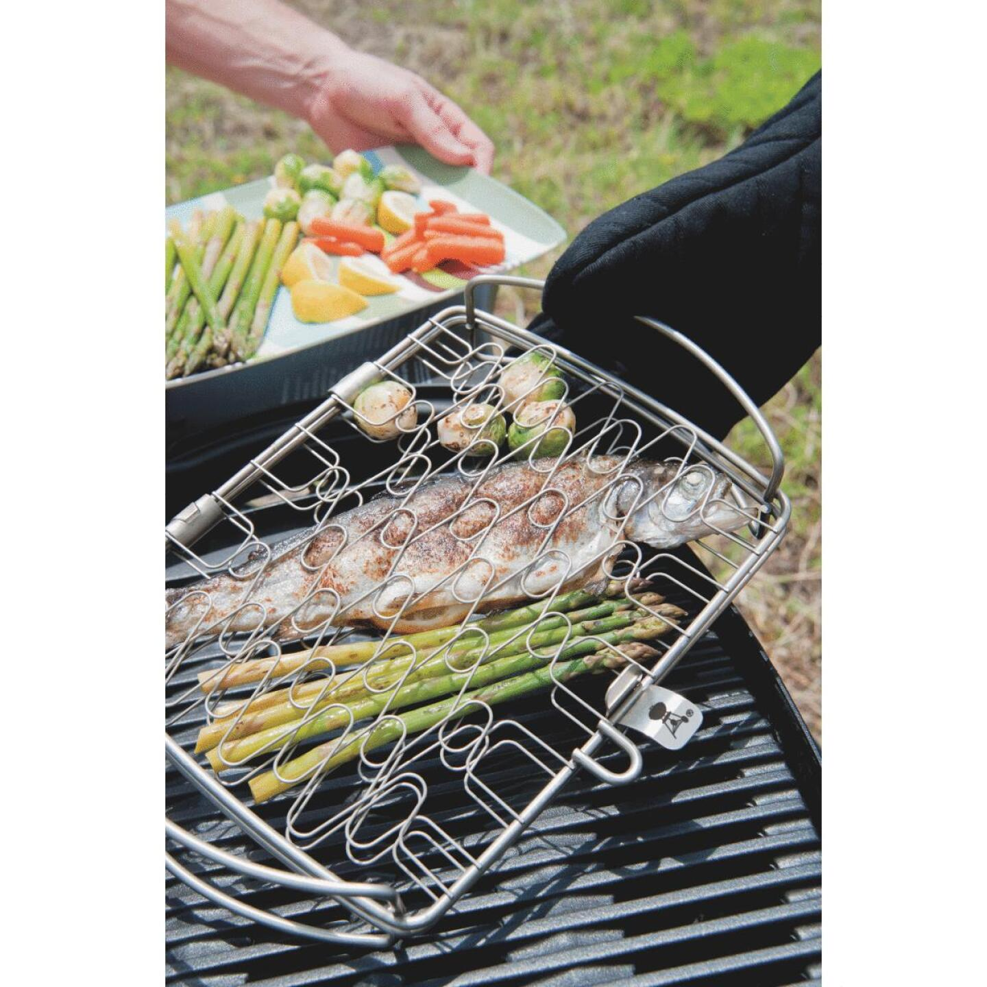 Weber 10 In. W. x 16 In. L. x 2.25 In. D. Large Flexible Wire Fish Grill Basket Image 9