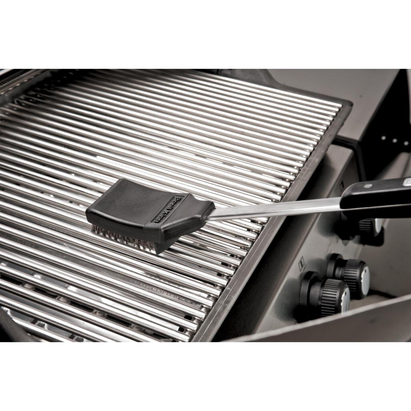Broil King Baron 420 Pro Special Edition Black 4-Burner Stainless Steel 40,000 BTU LP Gas Grill Image 5