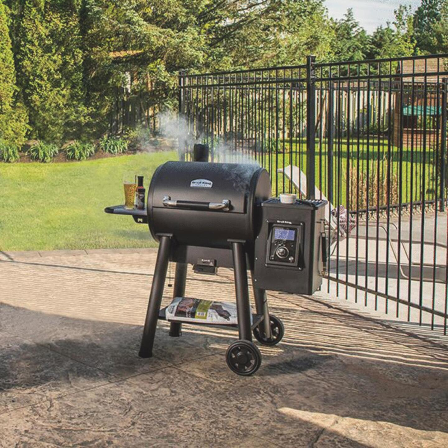 Broil King Regal Pellet 400 Black 690 Sq. In. Grill Image 2
