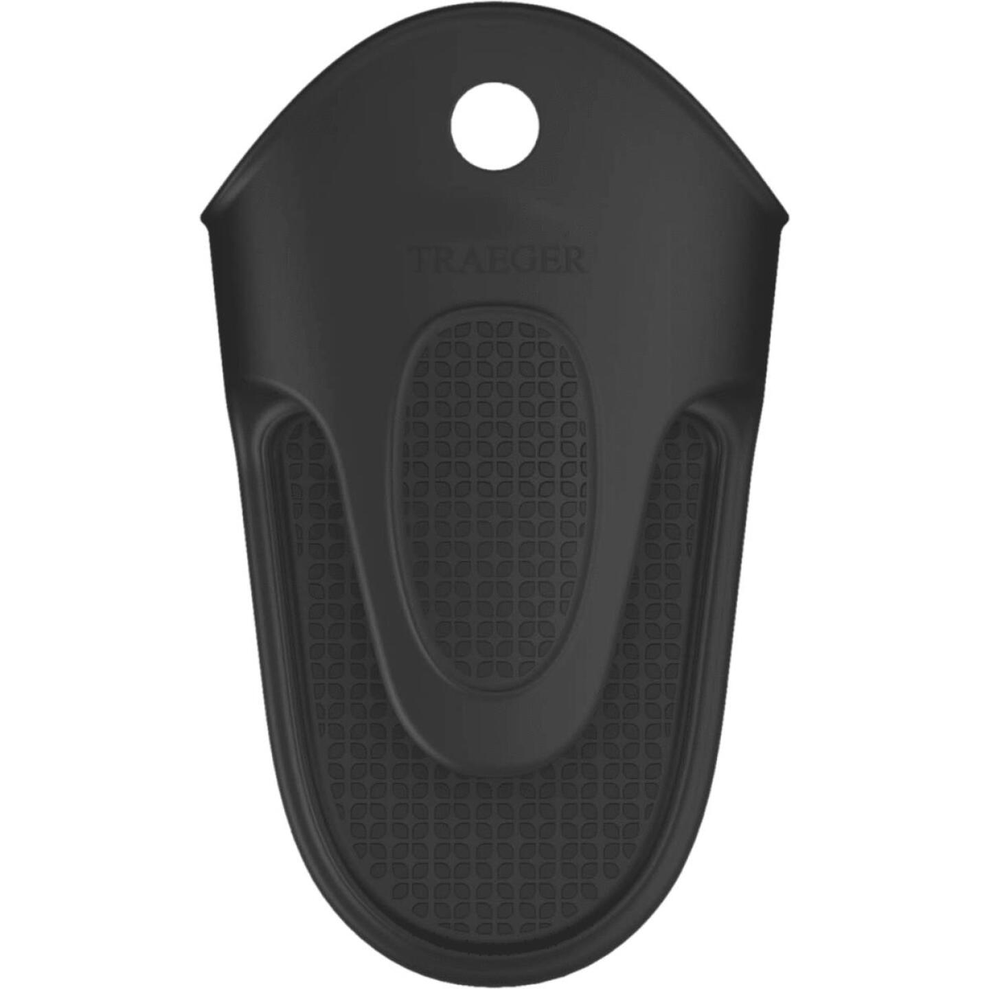 Traeger One Size Silicone Black Barbeque Mitt Image 1